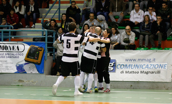 Adverso Ascoli-Eta Beta 5-1, commento & pagelle